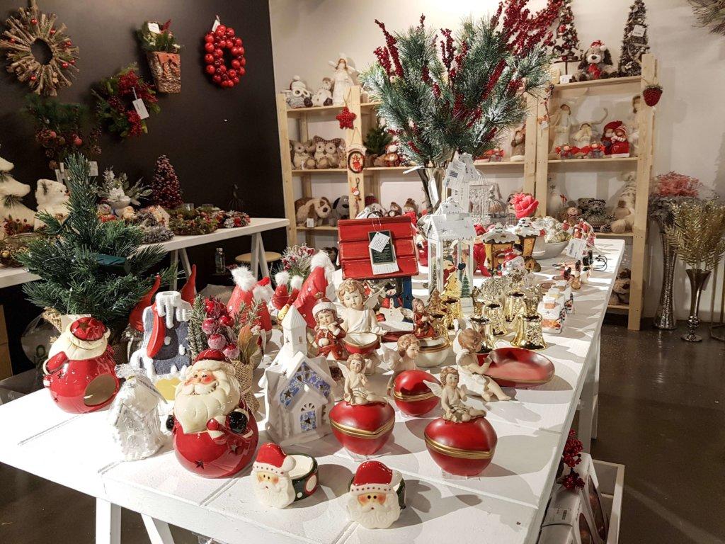 Новогодний базар в универмаге Цветной