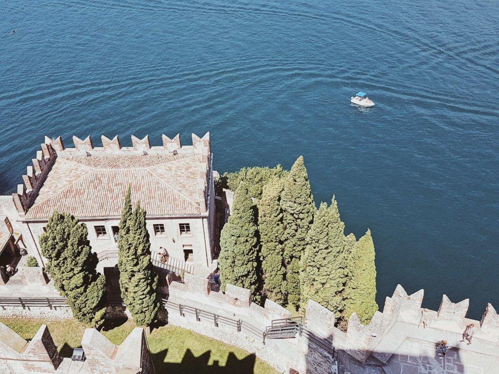 Мальчезине озеро Гарда