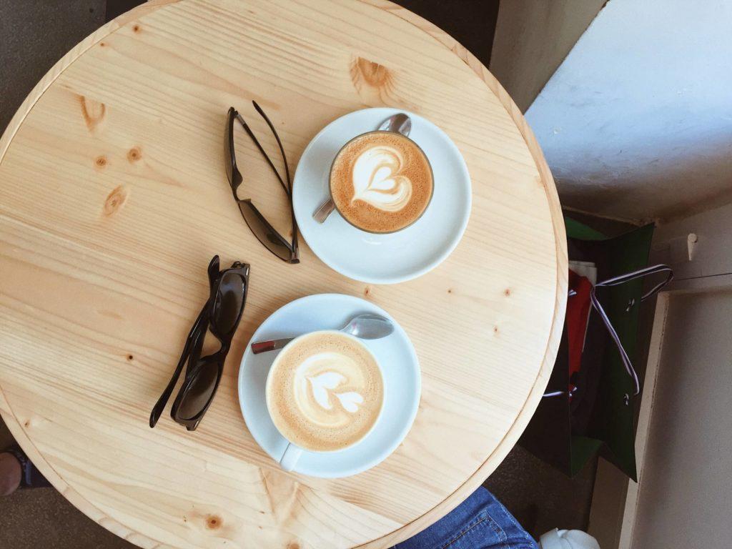 Как пьют кофе в Италии? Лучший кофе в Италии. Сколько стоит кофе в Италии. Виды кофе в Италии. Какой кофе пьют в Италии. Стоимость кофе в Италии.