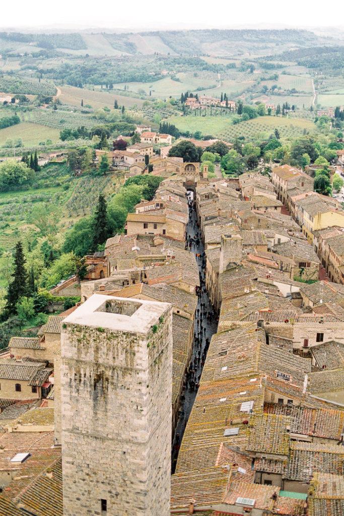 Сан-Джиминьяно город в Италии. Город средневековых небоскребов. Башни Сан-Джиминьяно