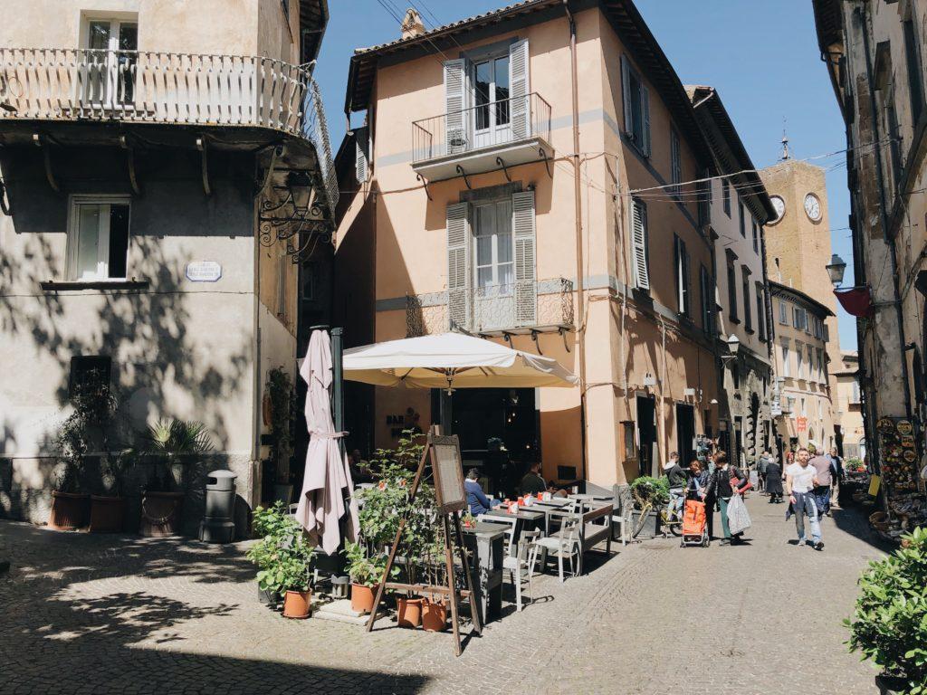 веранда на улице в Италии
