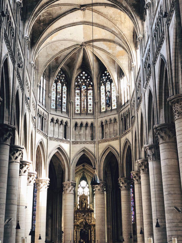 Руанский собор интерьер фото