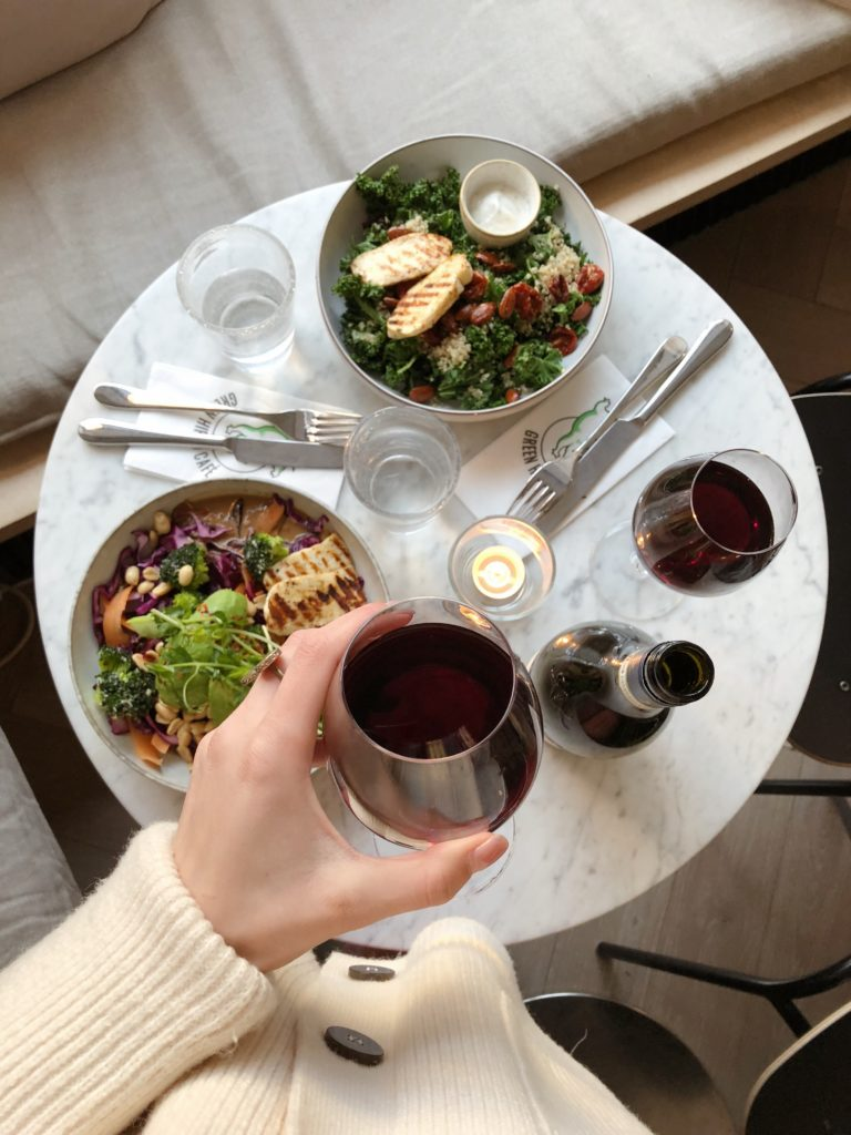 Катя Уткина как провести выходные в Хельсинки кафе Green Hippo Хельсинки