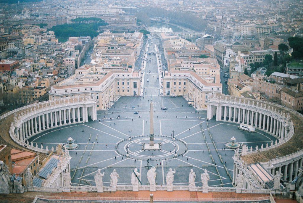 вид со смотровой площадки Собора Святого Петра в Риме