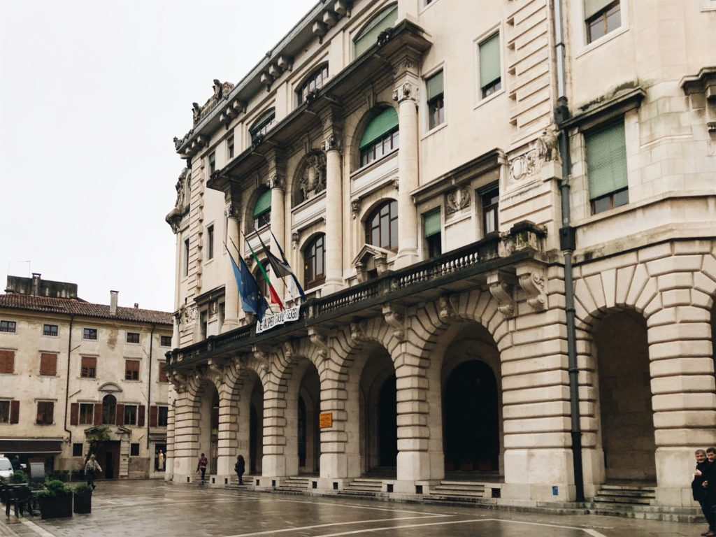 удине италия фото города