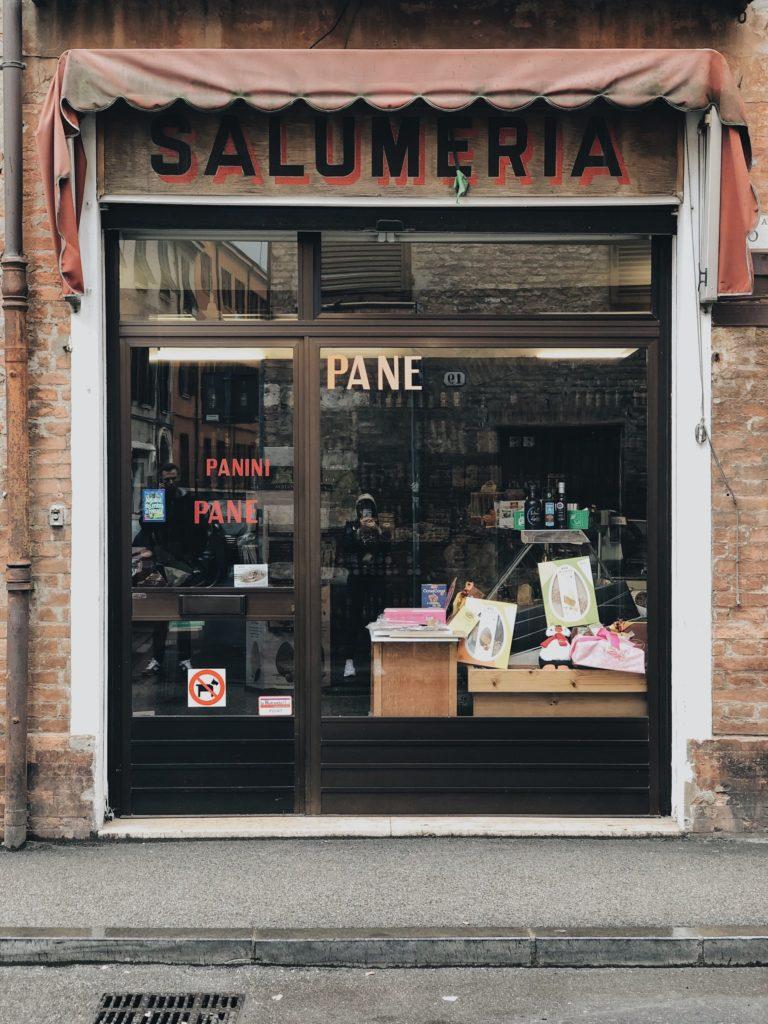 Феррара Италия фото