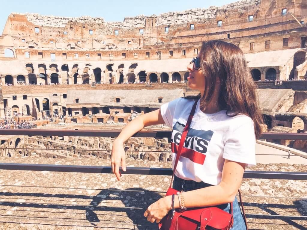 Истории жителей Рима глазами туриста. Как живут в Риме? Как живут итальянцы? Истории из жизни итальянцев. Традиции итальянцев. Путешествие в Рим.