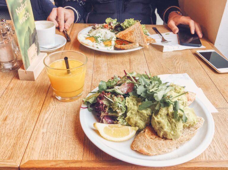 Завтрак в Берлине. Где позавтракать в Берлине. Кафе и рестораны в Берлине. Завтрак в Берлине где вкусно. Где поесть в Берлине.