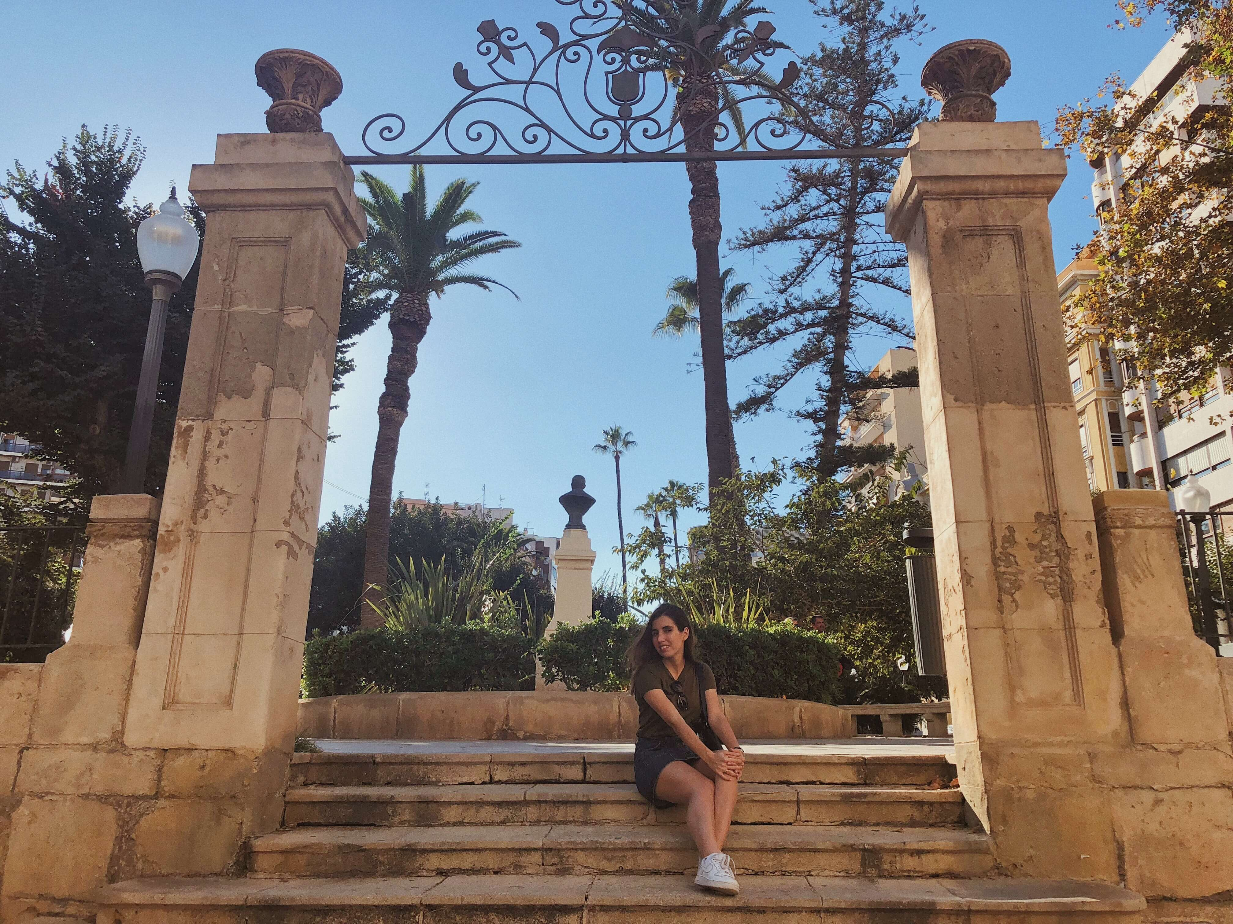 Что посмотреть в Аликанте? Аликанте в октябре. Достопримечательности Аликанте. Что посмотреть в Аликанте самостоятельно. Крепость Санта Барбара Аликанте.