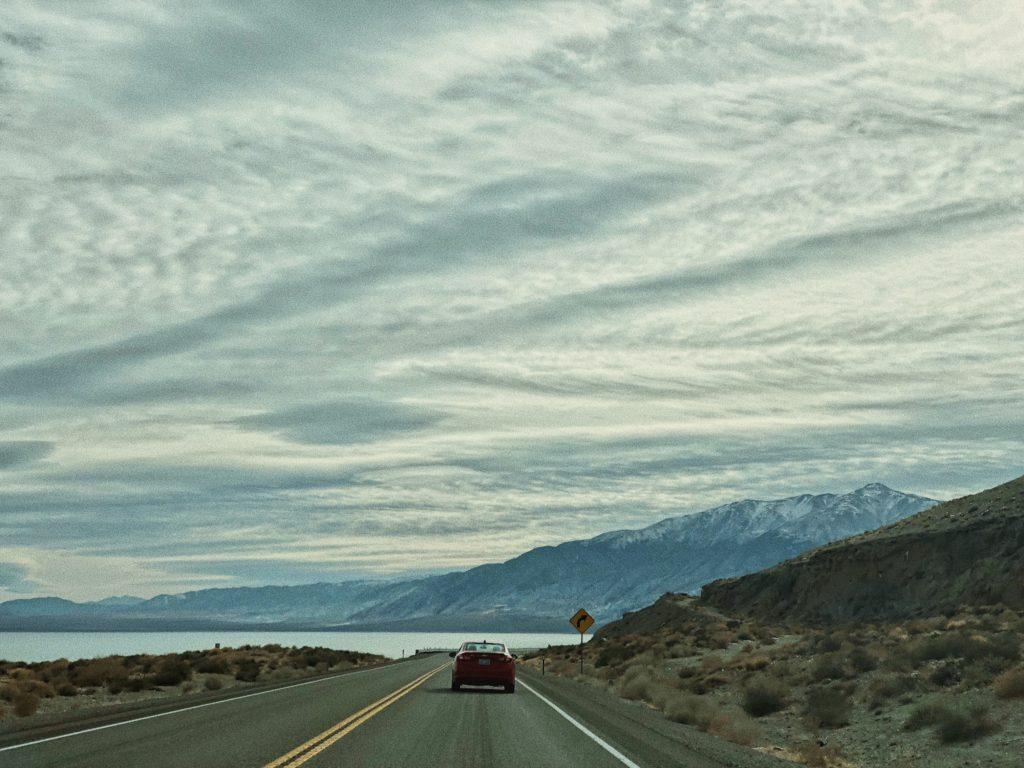 Как доехать до Лас Вегаса из Калифорнии. Дорога через пустыню Невада. Штат Невада. США Невада. Лас Вегас Невада. Рино Невада.