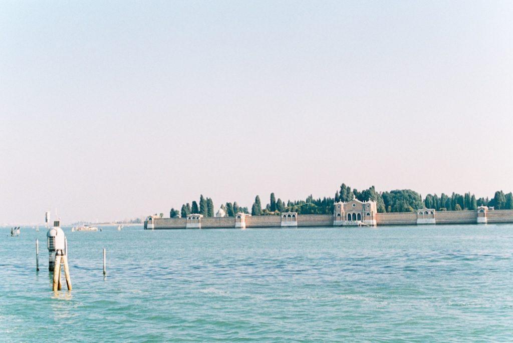 остров Сан Микеле Венеция. Кладбище в Венеции