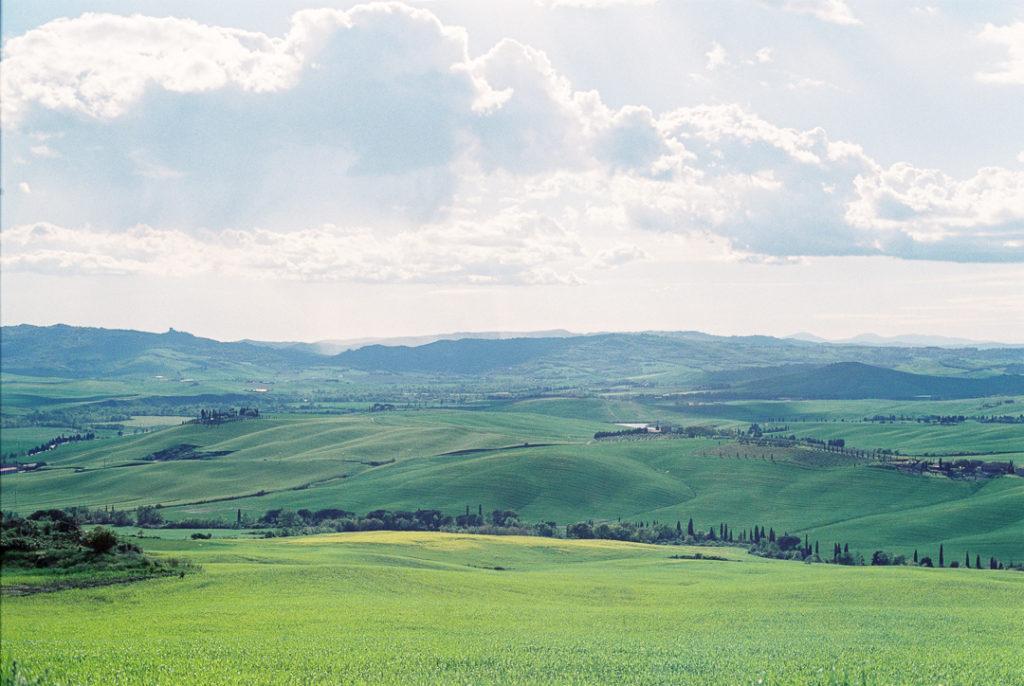 Тоскана холмы фото весной