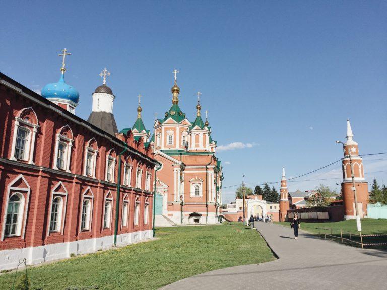 Успенский Брусенский монастырь в Коломне
