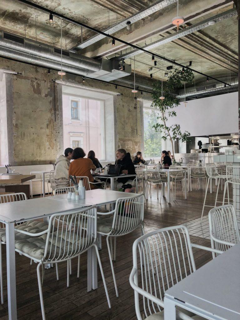 Завтраки весь день в Москве. Дом Культур на Сретенке. хипстерские кафе москвы