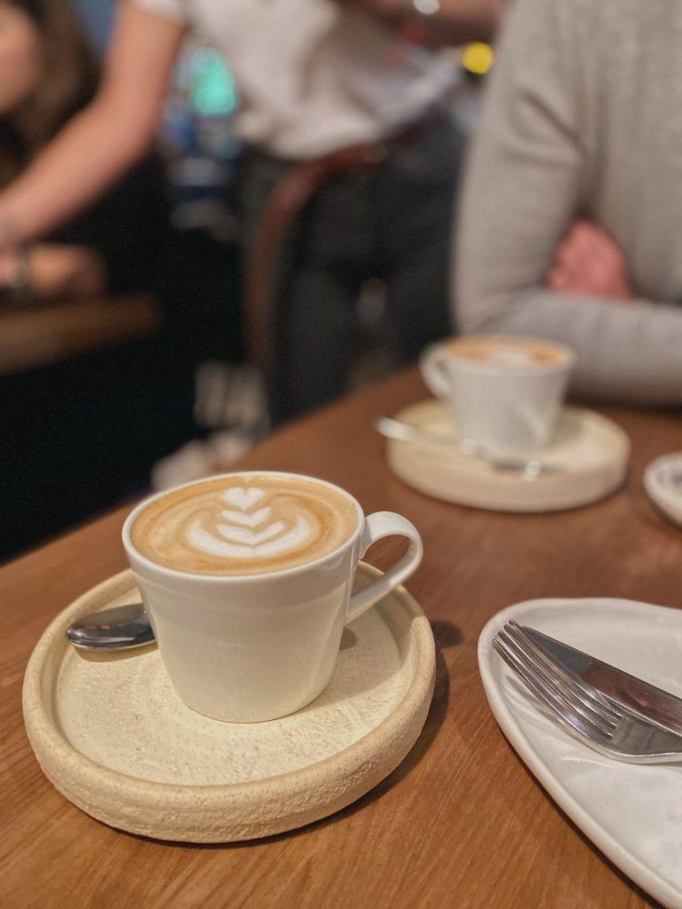 Tilda food bar на Патриарших. Секретные места для завтраков на Патриках. Завтраки на Патриках.